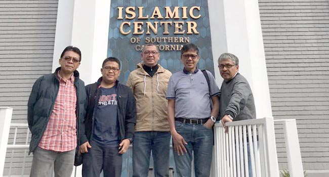 Saat di Islamic Center. (*)