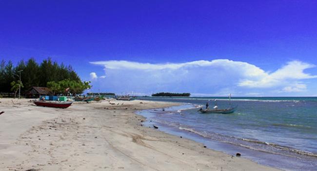 Pantai Tiku (net)