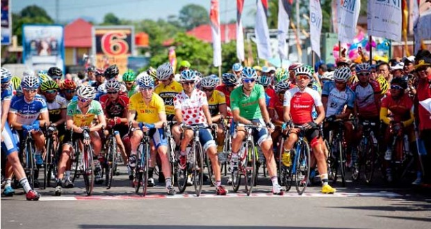 Peserta Tour de Singkarak (tourdesingkarak.com)