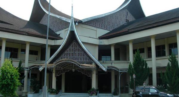 Gedung DPRD Agam (dprd.agamkab.go.id)