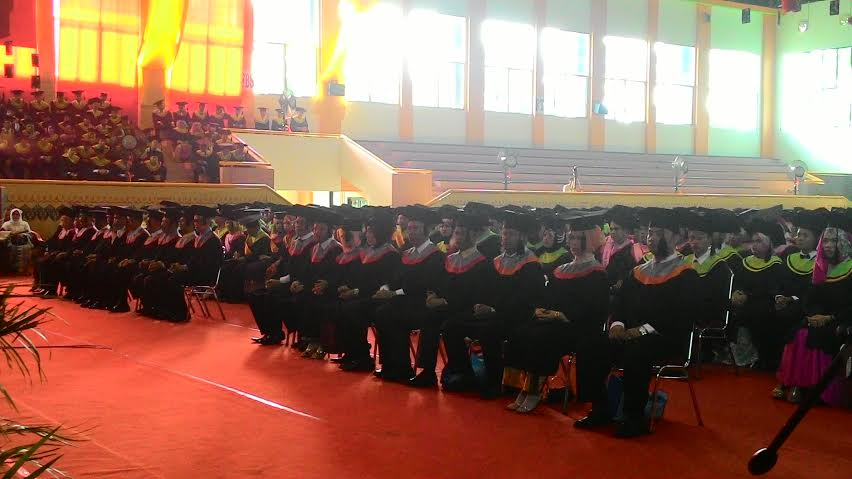 Wisuda UNP meluluskan 22 doktor dari berbagai disiplin ilmu. Ini wisuda dengan jumlah doktor terbanyak. (Yuni)