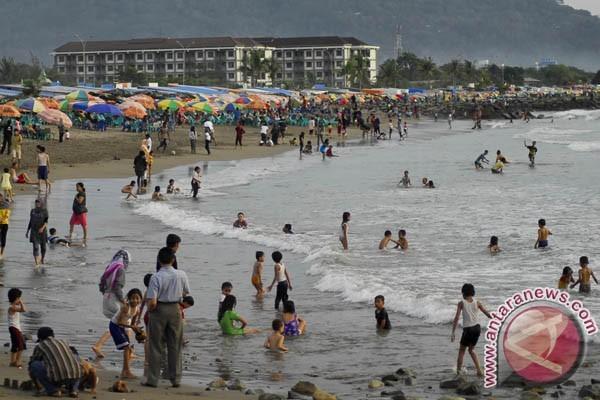 Pantai Padang. (antara)