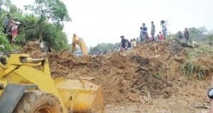 Longsor di Kabupaten Solok (rusmel)