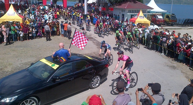 Etape 1 Tour de Singkarak dimulai. (rusmel)