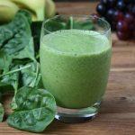 Minum jus bayam diampur jahe setiap pagi (Foto: Justjuice)