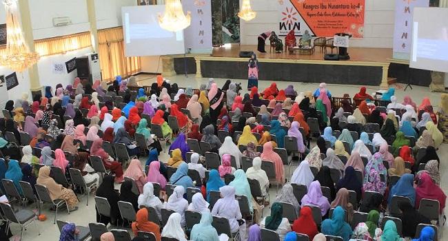 Kegiatan kongres Ibu Nusantara yang diselenggarakan Muslimah Hizbut Tahrir Indonesia. (*)