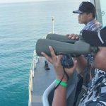 Anggota TNI AL membantu pencarian korban penumpang pesawat milik Polri yang jatuh di Perairan Kabupaten Lingga, Kepulauan Riau (antara foto)