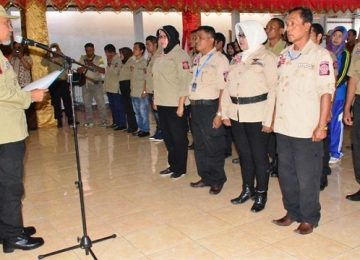 Walikota Padang melantik anggota Tagana. (*)