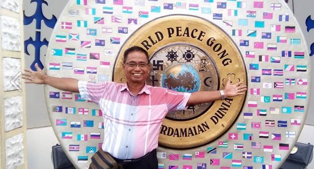 Almarhum Naswardi saat  berkunjung ke Ambon dalam HPN 2017. (fb:gusfen)