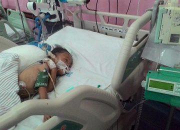 Akia tergolek lemah dengan empat penyakit bersanag di tubuhnya. (*)