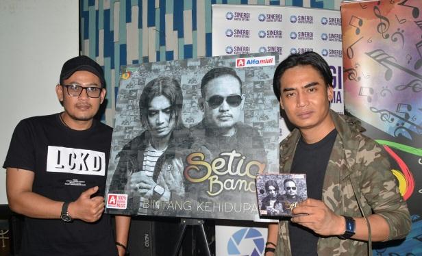 Setia Band. (dudung)