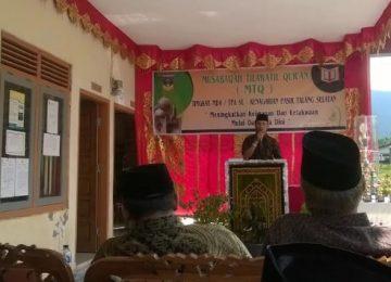 Walinagari Pasir Talang Selatan Arputrawandra tengah menyampaikan sambutann, Sabtu (16/9). (Afrizal Amir)