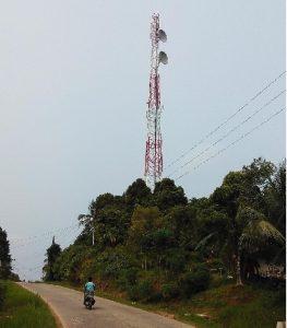 Salah satu BTS yang ada di Mentawai. Warga Mentawai merasakan manfaat Kehadiran Telkomsel di sana. (*)