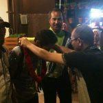 Rio, atlet paralayang dunia disambut Ketua KONI Payakumbuh Yusra Maiza, Kamis (19/10) malam. (bayu)