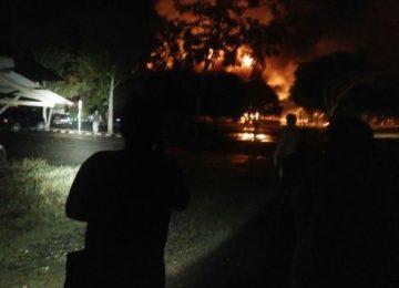 Api meludeskan Mapolres Dharmasraya (ist)