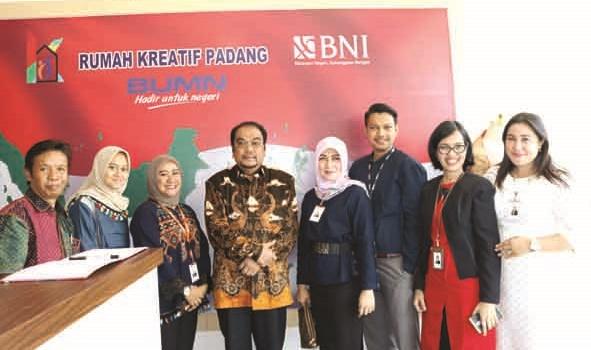 Anggota DPD RI Leonardy Harmaini saat berkunjung ke RKB BNI. (*)