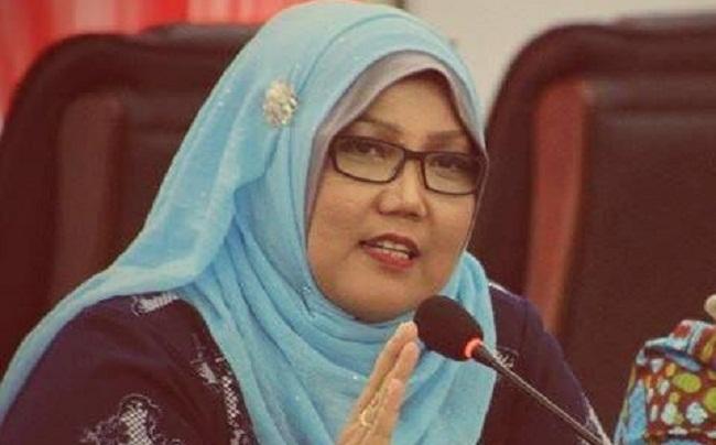 Ketua DPRD Padang Elly Thrisyanti. (*)