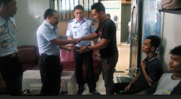 Dua pengunjung LP Muaro diatngkap karena menyelundupkan inex. (*)