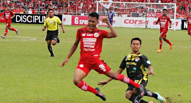 Semen Padang FC vs Kalteng Putra